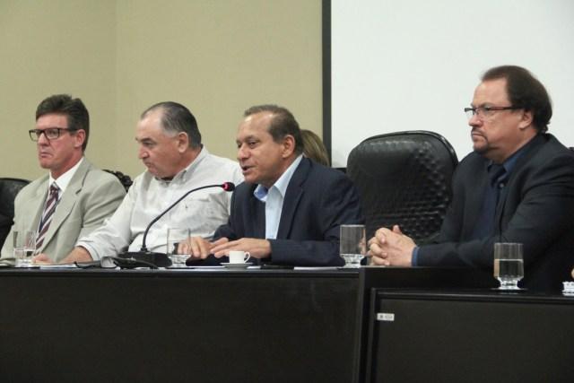 Comissão que apresentou o relatório final dos estudos realizados sobre a Resex. Foto: Angelo Varela/ALMT.