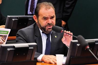O deputado Chapadinha: corte sobre o corte. Foto: Câmara dos Deputados.