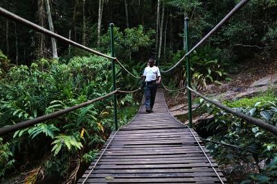 A ponte pênsil, último atrativo depois de uma dia de 16km de caminhada. Foto: Duda Menegassi.