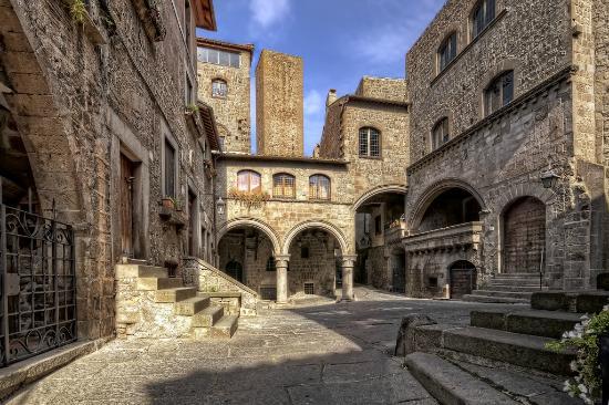Viterbe est une des plus belles villes du Latium