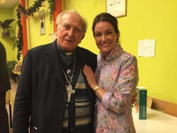 Donata Krethlow-Benziger et Mgr Grampa