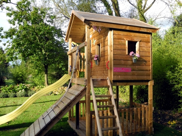 A Tree House For Children In Garden Construction – Useful Tips And