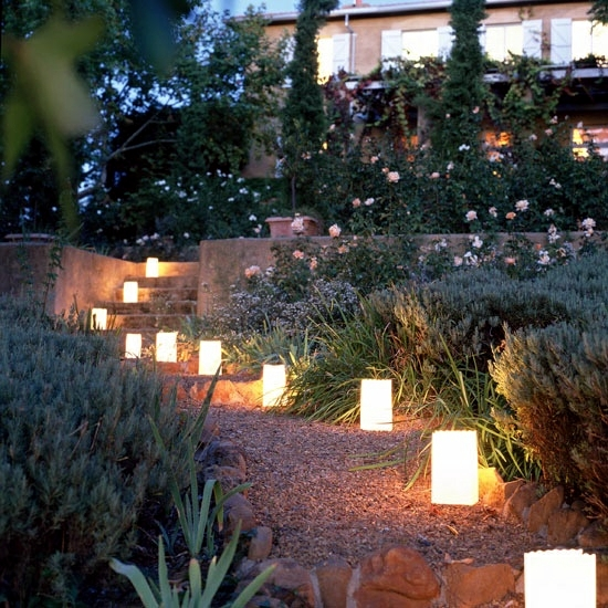 Garden Lights – Ideas Cheap And Effective Interior Design Ideas