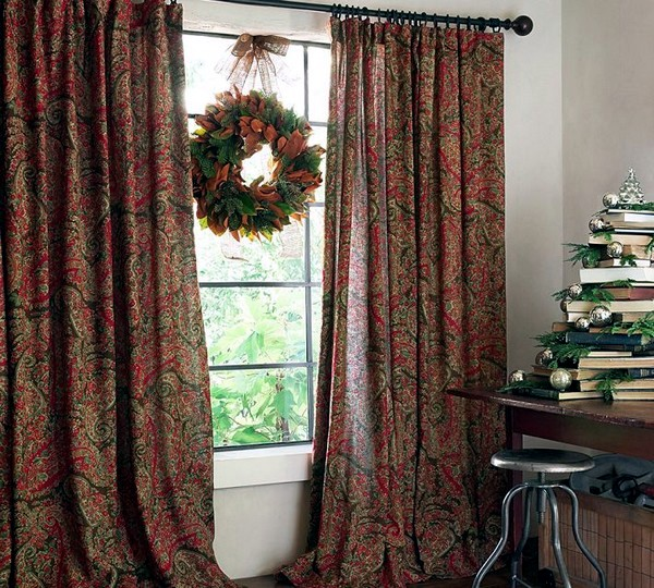 Matching curtains and drapes adorn the windows 30 decorating ideas  Interior Design Ideas