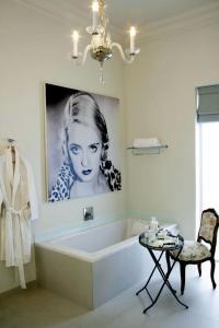 Romantic accessories for the bathroom | Interior Design ...