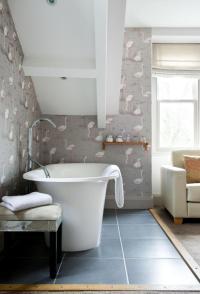 Flamingo background wallpaper in the bathroom   Interior ...