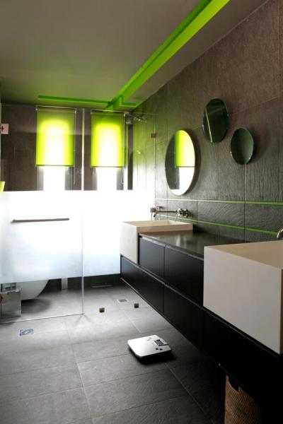 Indirect lighting in the green | Interior Design Ideas ...