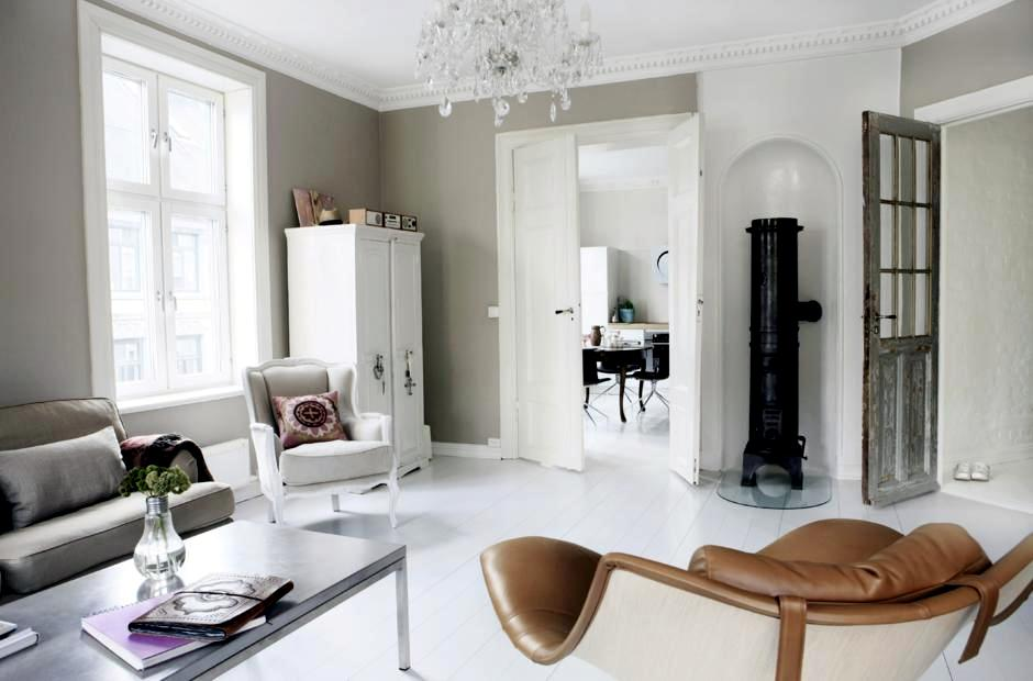 Pot Bellied Stove In The Living Room Interior Design