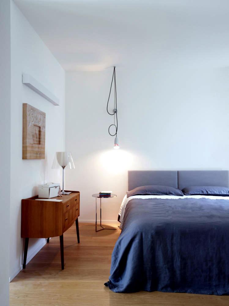 Quiet room with pendant lamp creative  Interior Design