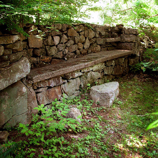 12 Interesting Ideas For Garden Wall Of Natural Stone For Your