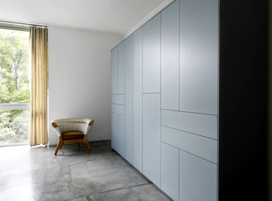 Handlefree closet designs in minimalist style of Piure  Interior Design Ideas  Ofdesign
