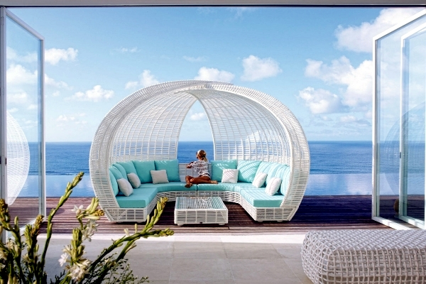 Outdoor furniture for relaxing  rattan lounge beds by