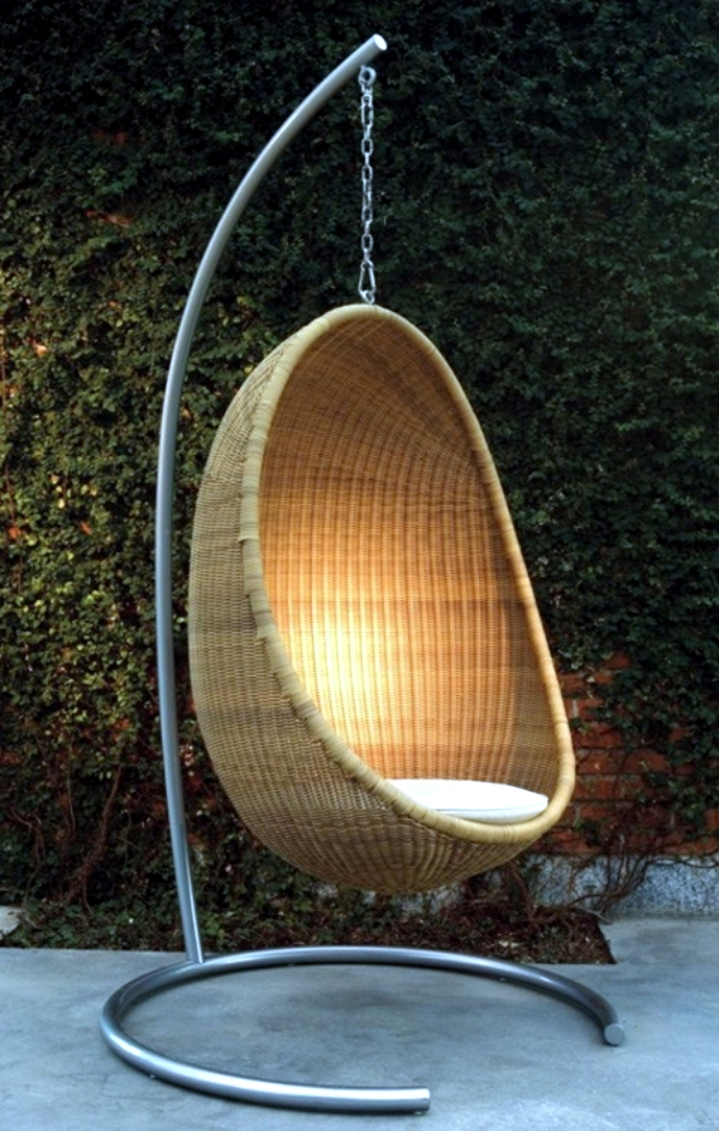 Rattan hanging chair for more comfort and relaxation in