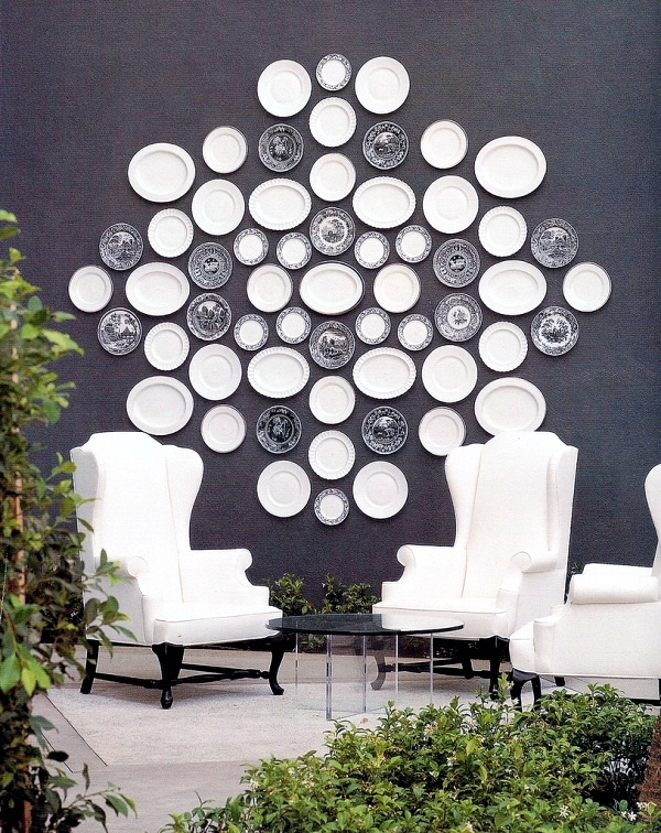 Wall decoration with plates  Colorful ideas and a touch