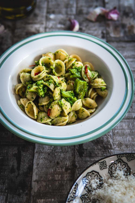 Orecchiette mit Brokkoli cime di rapa Nudeln vegetarisch Ofen offen Foodblog