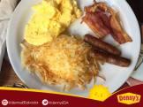 deliciosos-desayunos-en-dennys-sv