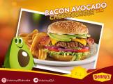 new-burgers-dennys-bacon-avocado-cheesse