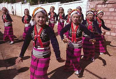 palaung-dance