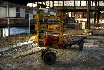 04 - Trolley