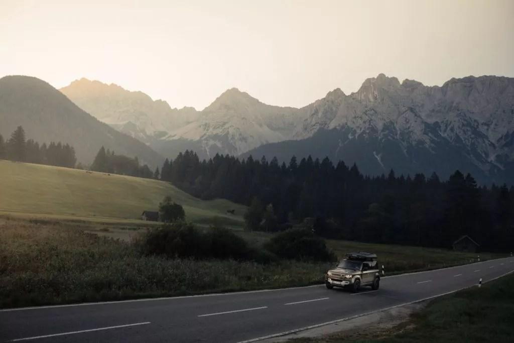Auto fahren durch alpen