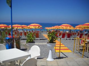 RESERVED easide property real estate in Italy for sale. 1bed appt, beach #B10