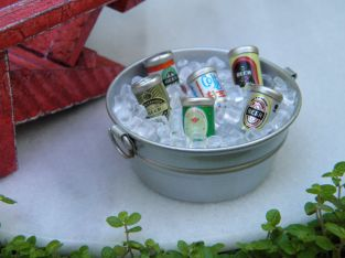 Miniature Dollhouse FAIRY GARDEN Accessories ~ Tub with Ice & Beer Cans ~ NEW