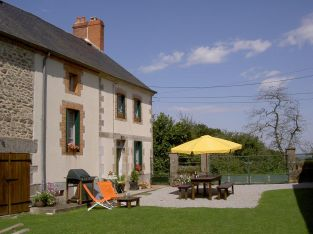 Family Home and holiday cottages for sale