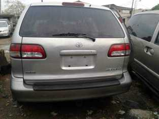 Toyota Sienna toks 2003 with power doors and in perfect condition n