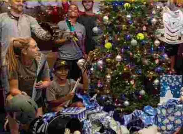 Easton-Holiday-Sweepstakes
