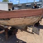 Franse houten sloep met diesel motor van weesp naar een loods in delft 6 meter bij 2.5