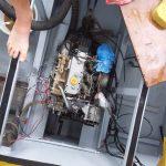 Motor proefdraaien en asafdichting moeren vernieuwen