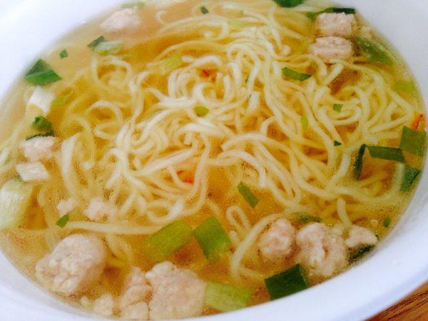ニュータッチのカップ麺「凄麺 熟炊き博多とんこつ」を食べてみた。③