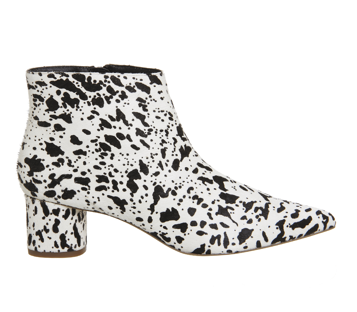 Office Lollipop Pointed Boots Black And White Cow Hair