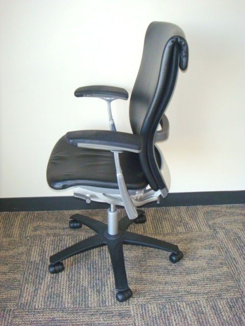 Knoll Life chairblack leather  Used Office Furniture