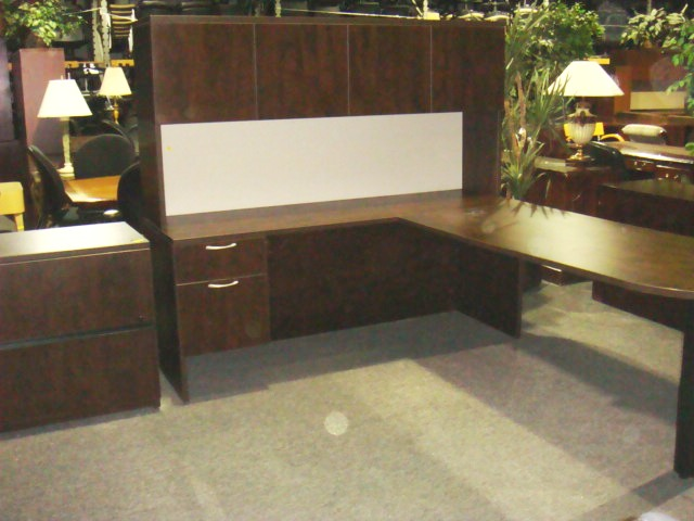 Turnstone bullet top L shape whutch  Used Office