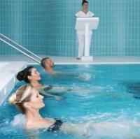 piscine_d_eau_min_rale_evian_jets
