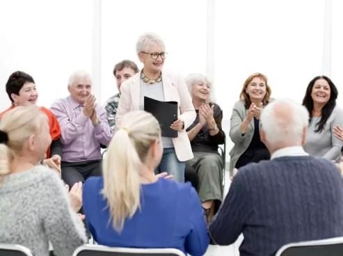 Des groupes de paroles et des ateliers de psychologie positive sont organisés dans le cadre d ela cure thermale Alzheimer