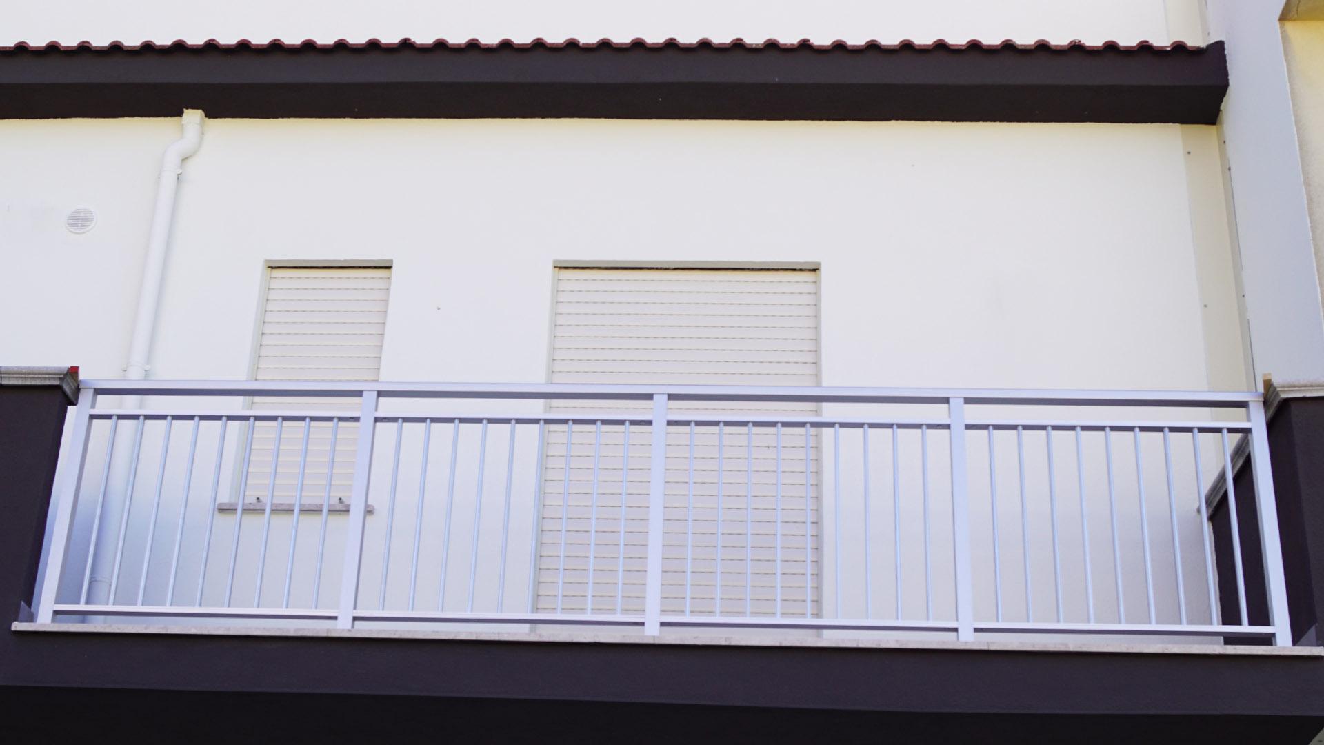 Ringhiere per balconi, balaustre, parapetti in alluminio. 5 Cose Da Sapere Sulle Ringhiere In Alluminio