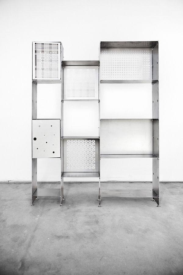 Xlab è una realtà artigianale che realizza ogni giorno mobili di design in legno massello. Officine Tamborrino Libreria Metallica Prima Prima