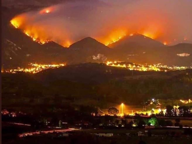 Incendi boschivi, oggi 15 focolai in Italia   Offida info