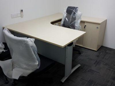 Avan Niche - L-shaped Manager Desk