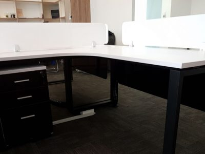Talent Edge - Black BO series table legs with white acrylic panels and table top