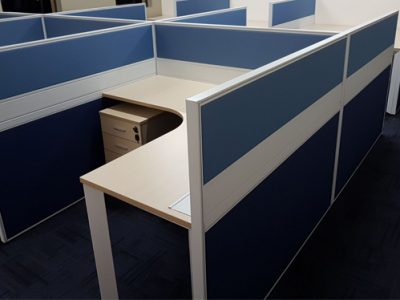 Verint - T40 Series Workstation with DE Table Legs