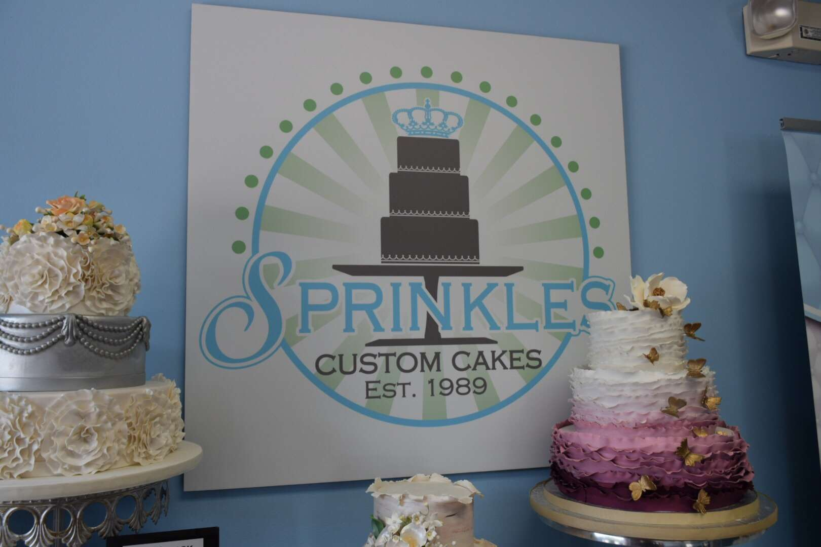 Sprinkles Custom Cakes Review | OFF On The Go