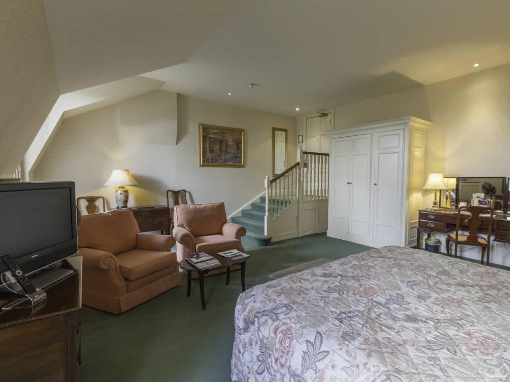 Luton Hoo Hotel Golf  Spa room and bedroom information