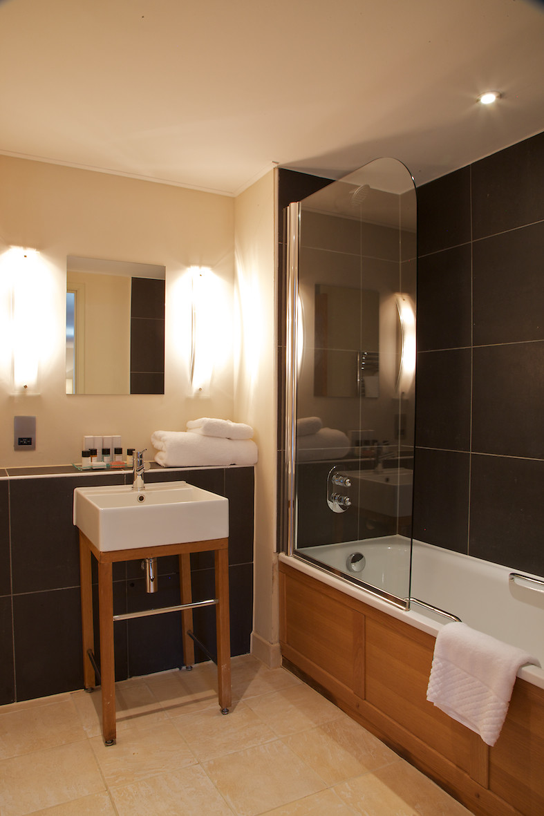 Wyck Hill House Hotel  Spa room and bedroom information
