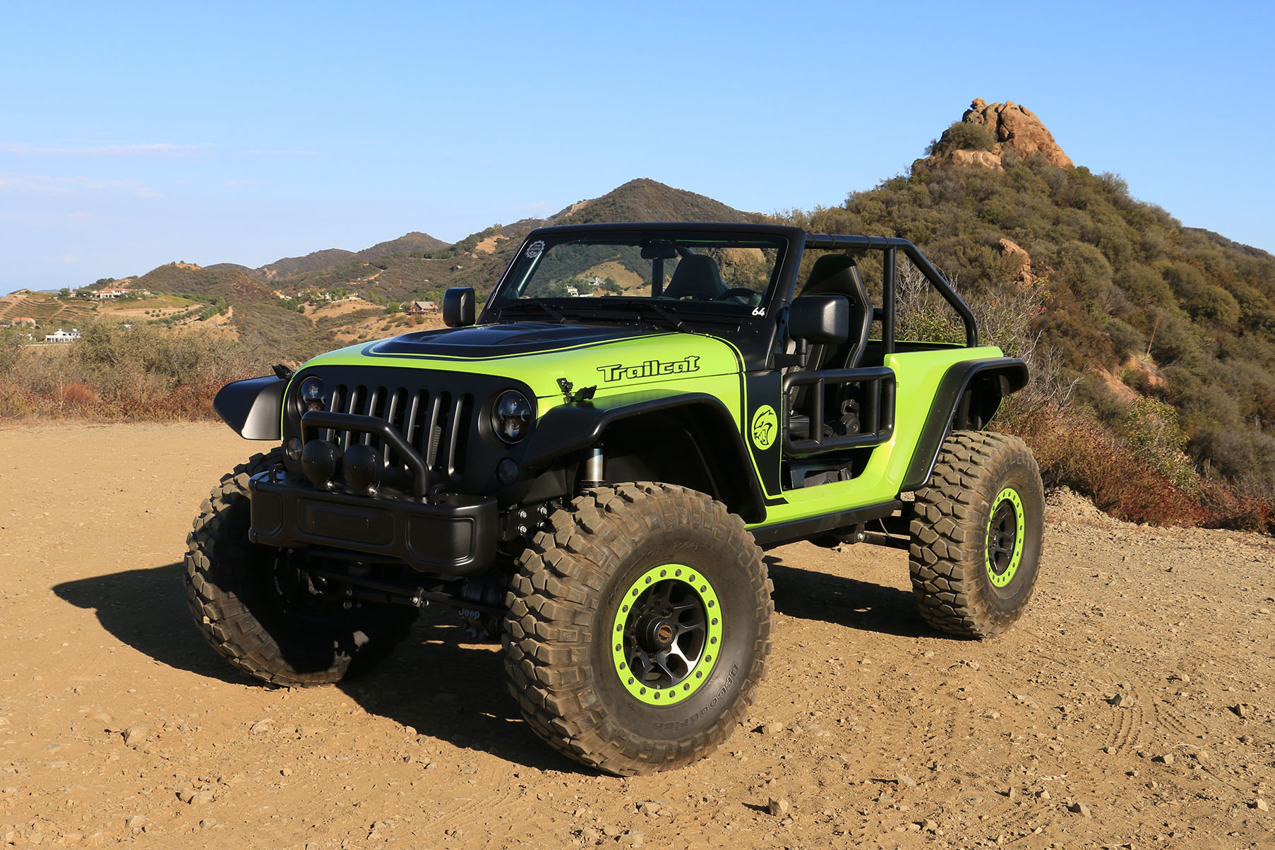 Wallpaper Engine Power Girl Behind The Wheel Of The 707 Hp Jeep Trailcat Concept