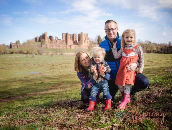 family photoshoot at Kenilworth Castle