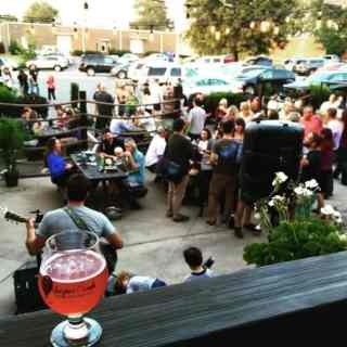 super bowl craft beer showdown: charlotte vs. colorado