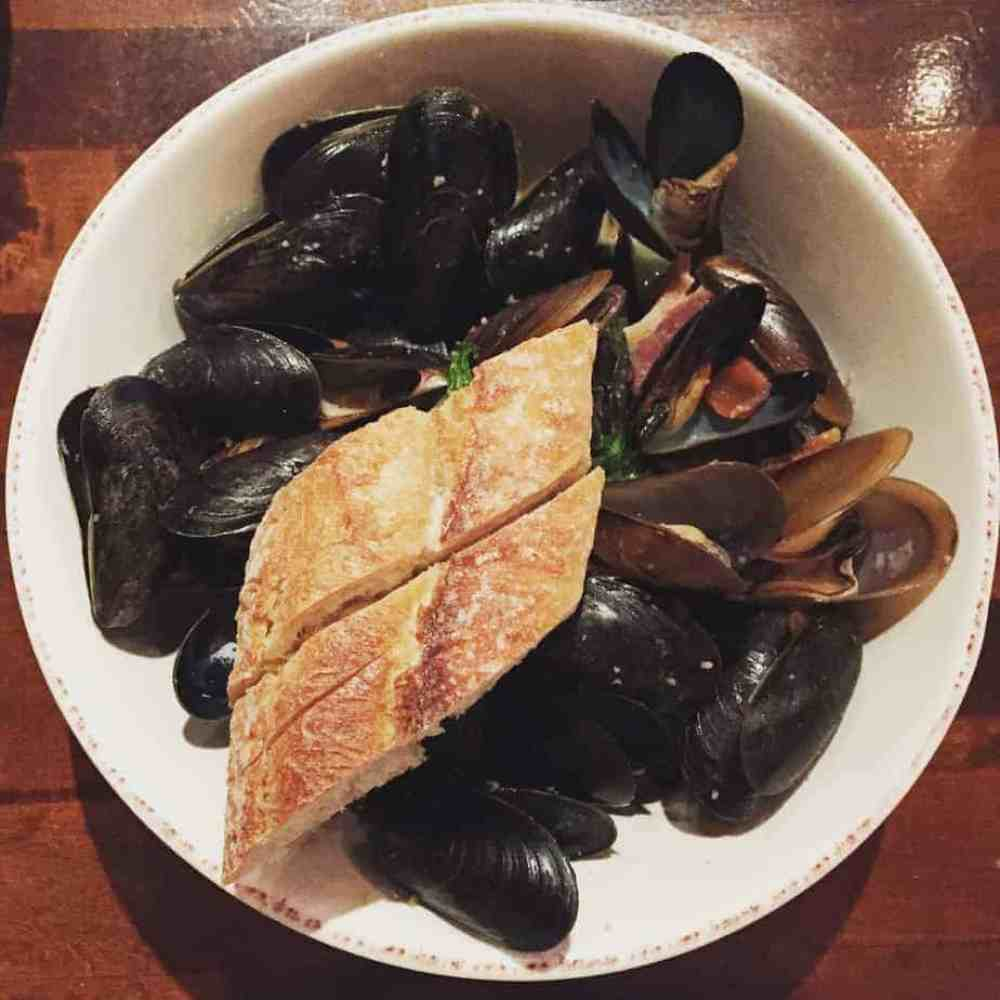 crepe cellar mussels